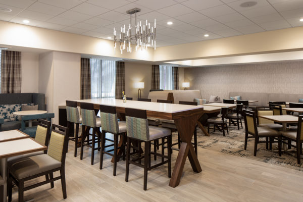 Hampton Inn Dunedin Breakfast Area